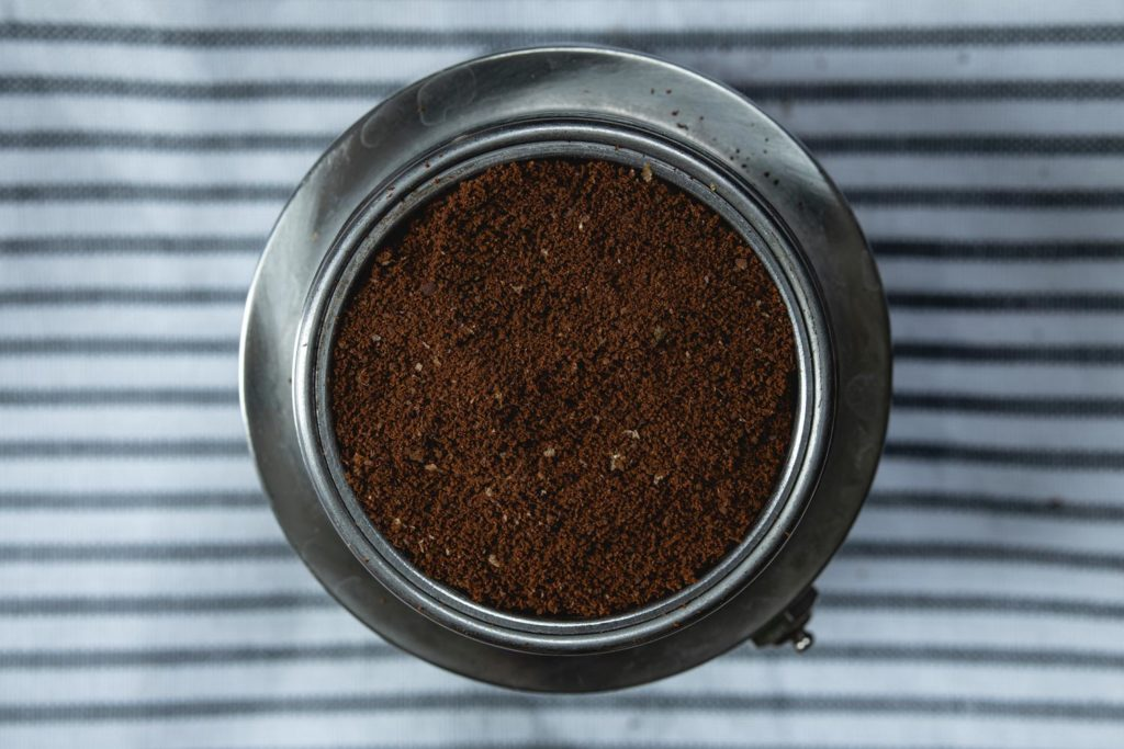 fill the metal filter with coffee grounds