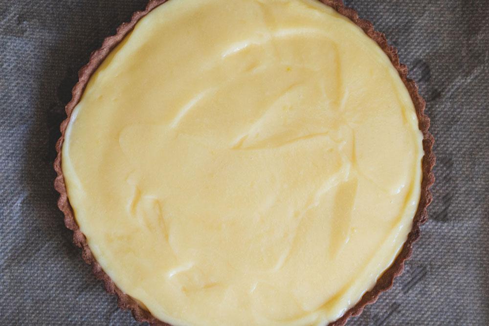 filling the tarte au citron lemon tart