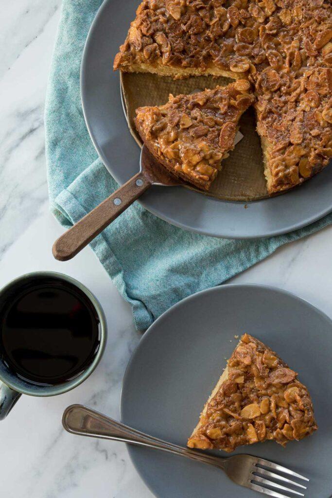 toscakaka caramel almond cake